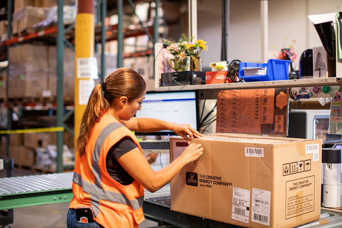 what is contract warehousing
